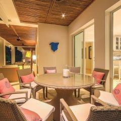Отель Hacienda B-03 гостиничный бар