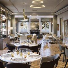 Отель The Ritz-Carlton, Hotel de la Paix, Geneva Швейцария, Женева - отзывы, цены и фото номеров - забронировать отель The Ritz-Carlton, Hotel de la Paix, Geneva онлайн питание фото 3