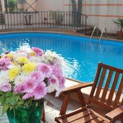 Отель BETSYS Тбилиси бассейн фото 3
