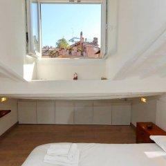 Отель Pantheon Charming Attic Рим комната для гостей