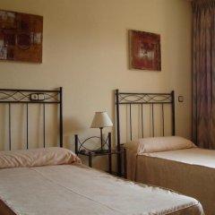 Отель Ronda 4 - Aire del Mar Mediterraneo Испания, Фуэнхирола - отзывы, цены и фото номеров - забронировать отель Ronda 4 - Aire del Mar Mediterraneo онлайн комната для гостей фото 2