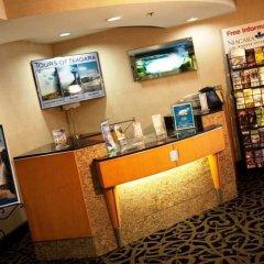 Отель Howard Johnson Closest to the Falls and Casino США, Ниагара-Фолс - отзывы, цены и фото номеров - забронировать отель Howard Johnson Closest to the Falls and Casino онлайн интерьер отеля фото 3