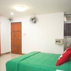 Отель Zen Rooms Mahajak Residence Бангкок комната для гостей фото 2