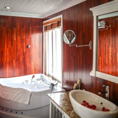 Отель Signature Halong Cruise ванная фото 2