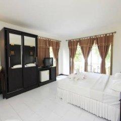 Отель On The Hill Karon Resort комната для гостей