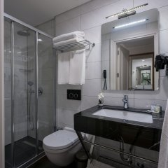 Le Petit Palace Hotel Турция, Стамбул - 4 отзыва об отеле, цены и фото номеров - забронировать отель Le Petit Palace Hotel онлайн ванная