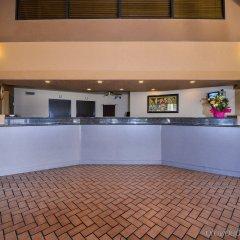 Отель Americas Best Value Inn Downtown Las Vegas США, Лас-Вегас - отзывы, цены и фото номеров - забронировать отель Americas Best Value Inn Downtown Las Vegas онлайн гостиничный бар