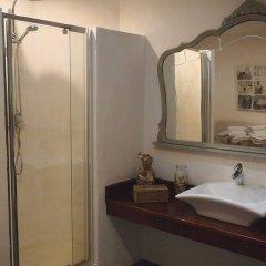 Отель Hostal Restaurant Sa Malica Бланес ванная