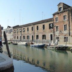 Отель Luxury Garden Mansion R&R Италия, Венеция - отзывы, цены и фото номеров - забронировать отель Luxury Garden Mansion R&R онлайн приотельная территория фото 2