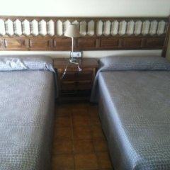Отель Hostal Mimosa Испания, Сантандер - отзывы, цены и фото номеров - забронировать отель Hostal Mimosa онлайн комната для гостей фото 3