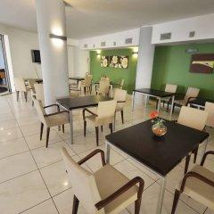 Отель Palm Beach Hotel Италия, Чинизи - 1 отзыв об отеле, цены и фото номеров - забронировать отель Palm Beach Hotel онлайн питание фото 2