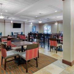 Отель Comfort Suites Sarasota - Siesta Key питание