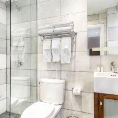Отель The Gallivant Times Square США, Нью-Йорк - 1 отзыв об отеле, цены и фото номеров - забронировать отель The Gallivant Times Square онлайн ванная