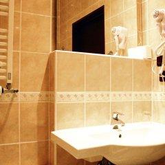 Отель Adria Чехия, Карловы Вары - 6 отзывов об отеле, цены и фото номеров - забронировать отель Adria онлайн ванная