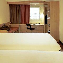 Отель Classic Montparnasse сейф в номере