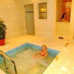 Отель Swiss Wellness Spa Resort бассейн фото 3