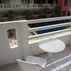 Отель Eastiny Place Паттайя балкон