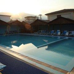 Отель Baba Motel бассейн