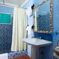 Отель Jakes Hotel Ямайка, Треже-Бич - отзывы, цены и фото номеров - забронировать отель Jakes Hotel онлайн ванная