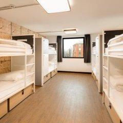 Отель Generator Paris Кровать в общем номере с двухъярусной кроватью