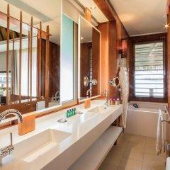 Отель Tahiti Ia Ora Beach Resort - Managed by Sofitel Французская Полинезия, Пунаауиа - отзывы, цены и фото номеров - забронировать отель Tahiti Ia Ora Beach Resort - Managed by Sofitel онлайн ванная