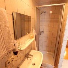 Отель Haus Steiner Австрия, Зальцбург - отзывы, цены и фото номеров - забронировать отель Haus Steiner онлайн ванная фото 2