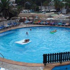 Отель Alua Hawaii Ibiza Испания, Сан-Антони-де-Портмань - отзывы, цены и фото номеров - забронировать отель Alua Hawaii Ibiza онлайн спортивное сооружение