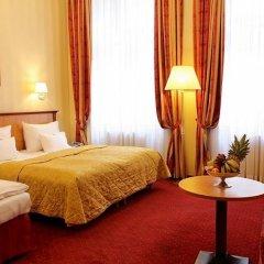 Отель Opera Suites комната для гостей фото 9