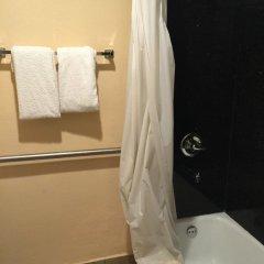 Отель Hyland Motel Van Nuys Лос-Анджелес ванная фото 2