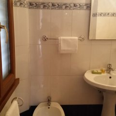 Отель Cicerone Guest House ванная фото 2