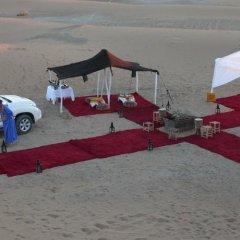 Отель Auberge La Belle Etoile Марокко, Мерзуга - отзывы, цены и фото номеров - забронировать отель Auberge La Belle Etoile онлайн парковка