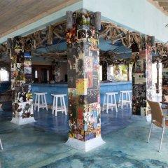 GoldenEye Hotel & Resort гостиничный бар