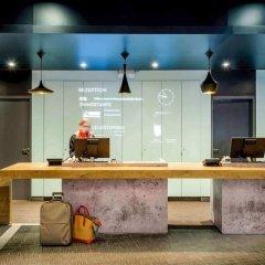Отель Ibis Hamburg City Германия, Гамбург - 2 отзыва об отеле, цены и фото номеров - забронировать отель Ibis Hamburg City онлайн интерьер отеля фото 2