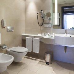 Отель NH Collection Milano President 5* Улучшенный номер с различными типами кроватей фото 5