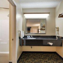 Отель Rodeway Inn Meridian ванная фото 2