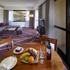 Отель Cinnamon Lakeside Colombo в номере