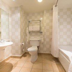 Отель Holiday Inn Edinburgh ванная фото 2