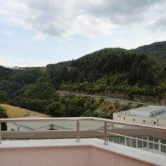 Отель Byalo More Болгария, Чепеларе - отзывы, цены и фото номеров - забронировать отель Byalo More онлайн балкон
