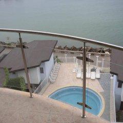 Отель Balchik English House бассейн