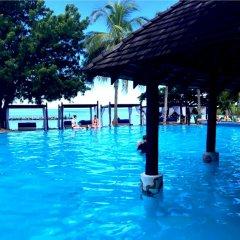 Отель Anchorage Beach Resort Фиджи, Вити-Леву - отзывы, цены и фото номеров - забронировать отель Anchorage Beach Resort онлайн бассейн