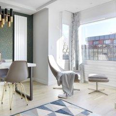 Апартаменты La Concha Attic Apartment by FeelFree Rentals комната для гостей фото 5