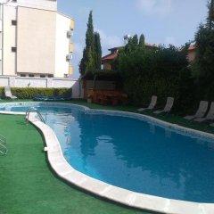 Отель Lucky Family Hotel Ravda Болгария, Равда - отзывы, цены и фото номеров - забронировать отель Lucky Family Hotel Ravda онлайн бассейн