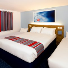 Отель Travelodge London Stratford комната для гостей