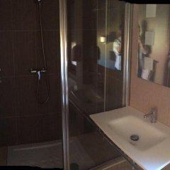 Отель Hostal Mimosa Испания, Сантандер - отзывы, цены и фото номеров - забронировать отель Hostal Mimosa онлайн ванная фото 2