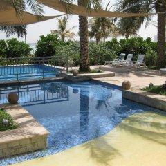Отель Royal Club at Palm Jumeirah ОАЭ, Дубай - 5 отзывов об отеле, цены и фото номеров - забронировать отель Royal Club at Palm Jumeirah онлайн бассейн