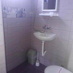 Отель Dracena Guesthouse Болгария, Равда - отзывы, цены и фото номеров - забронировать отель Dracena Guesthouse онлайн ванная фото 2