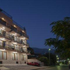 Отель Twelve Черногория, Будва - отзывы, цены и фото номеров - забронировать отель Twelve онлайн парковка