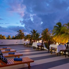 Отель Crystal Sands бассейн