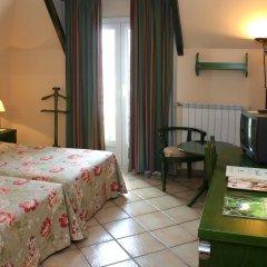Hotel Ziryab комната для гостей