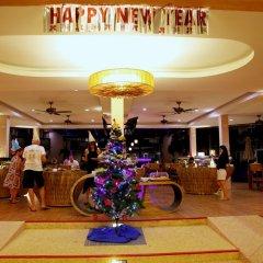 Отель Chivatara Resort & Spa Bang Tao Beach интерьер отеля